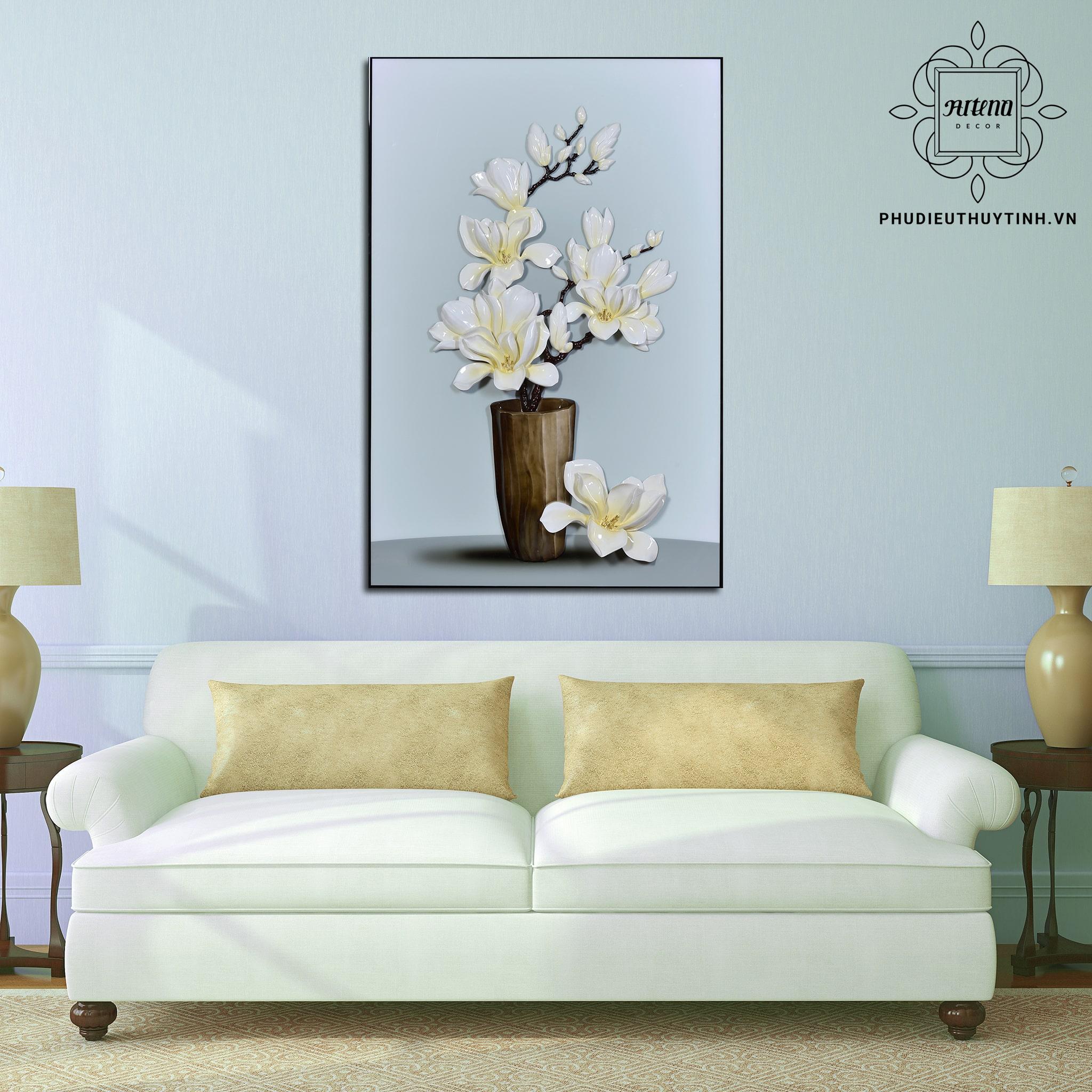 Bức tranh hoa mai hình chữ nhật trong phòng khách thiết kế theo phong cách sang trọng, hiện đại