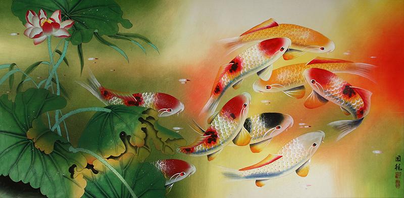 Người mệnh Hỏa hợp với tranh hồ cá có tông màu xanh lá cây, đỏ, hồng