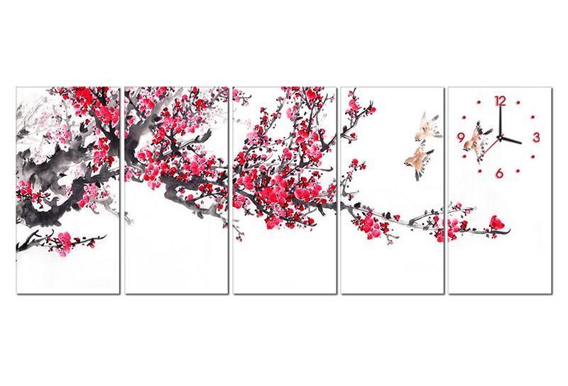 Tranh hoa đào cho không gian phòng khách bừng sáng - Nguồn ảnh: tuongxinh.com
