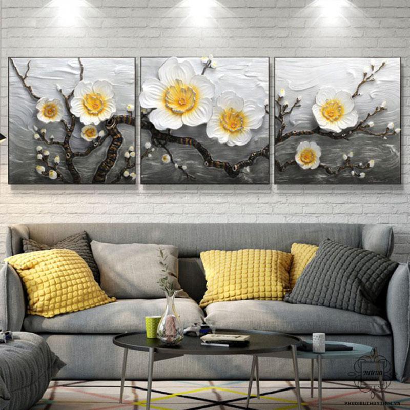 Cánh hoa mai tượng trưng cho sự vui vẻ, hòa thuận