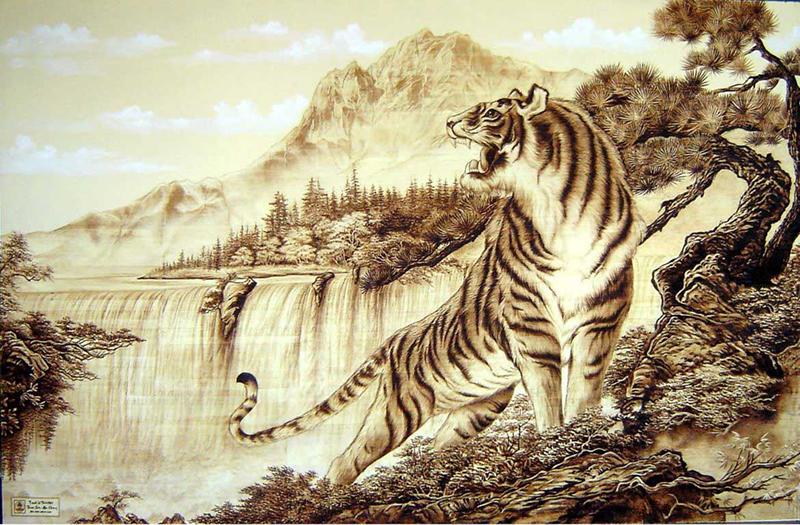 Không nên treo ảnh thú dữ như hổ, báo trong phòng thờ (Nguồn: phanquan.com)