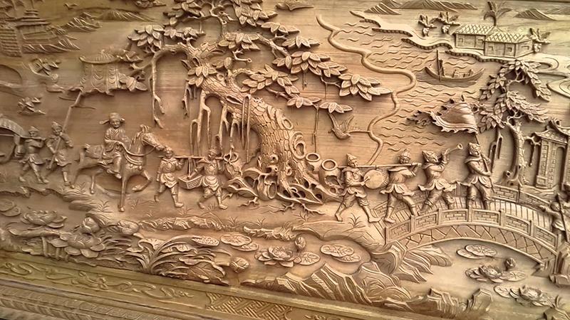 Nguồn: tuonggocaocap.com.vn - Tranh phù điêu gỗ dùng kỹ thuật điêu khắc để tạo hình trên các tấm gỗ