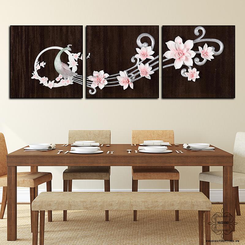 Những hình ảnh đơn giản nhưng lồng ghép màu sắc và yếu tố phong thủy khéo léo phù hợp cho không gian phòng ăn
