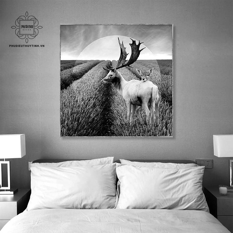 Treo những bức tranh trắng đen có hình chú hươu mang lại may mắn cho gia chủ