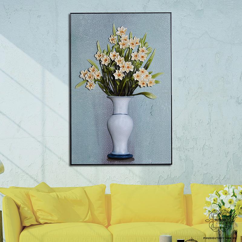 tranh phù điêu Hoa thuỷ tiên sẽ phù hợp với mệnh Thổ