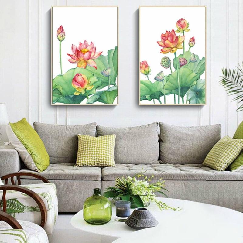 Nên treo tranh hoa sen trong phòng khách để hấp thu vượng khí