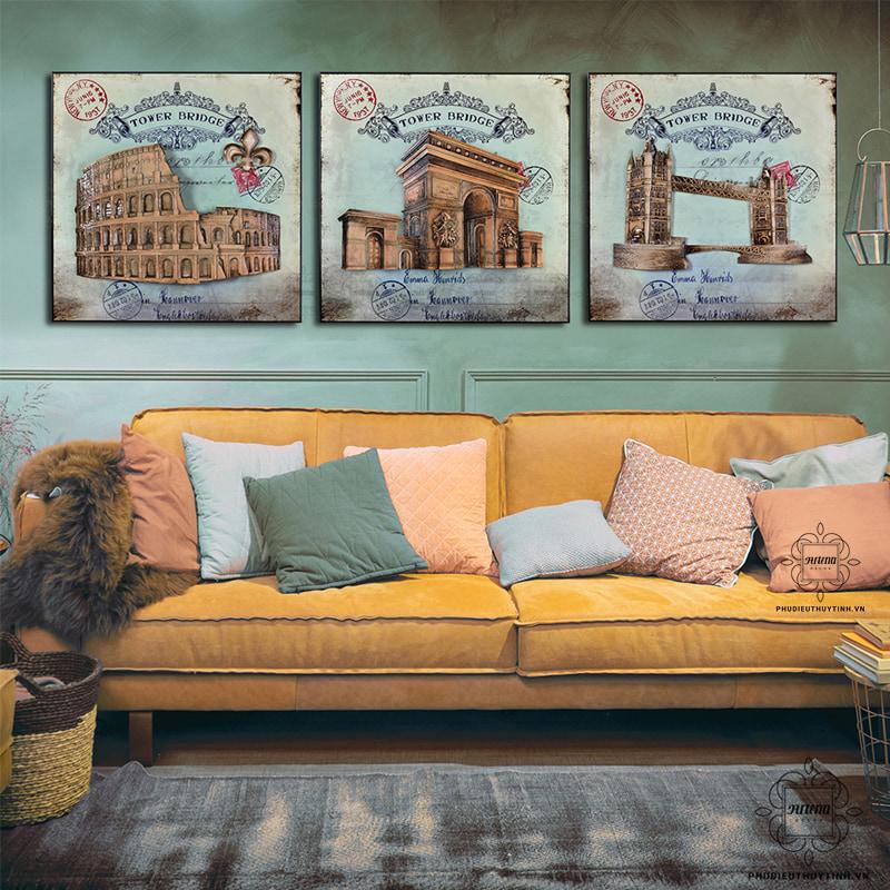 Tranh treo tường cho không gian cổ điển nên có màu trầm thanh lịch, trang nhã
