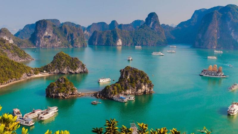 Vịnh Hạ Long, cảnh sắc hoàn mỹ được thiên nhiên trao tặng