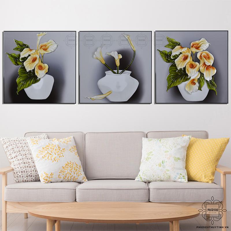 """Hoa thủy vu nở rộ trong nhiều hình thái qua 3 bức tranh trong bộ """"Rum Khoe Sắc"""""""