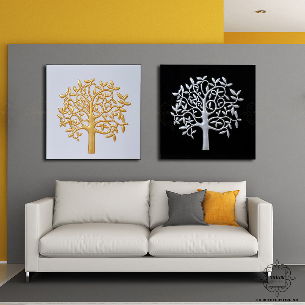 Tranh treo tường hình vuông vừa đảm bảo tính thẩm mỹ, vừa mang lại sự tươi mới, độc đáo cho không gian phòng khách