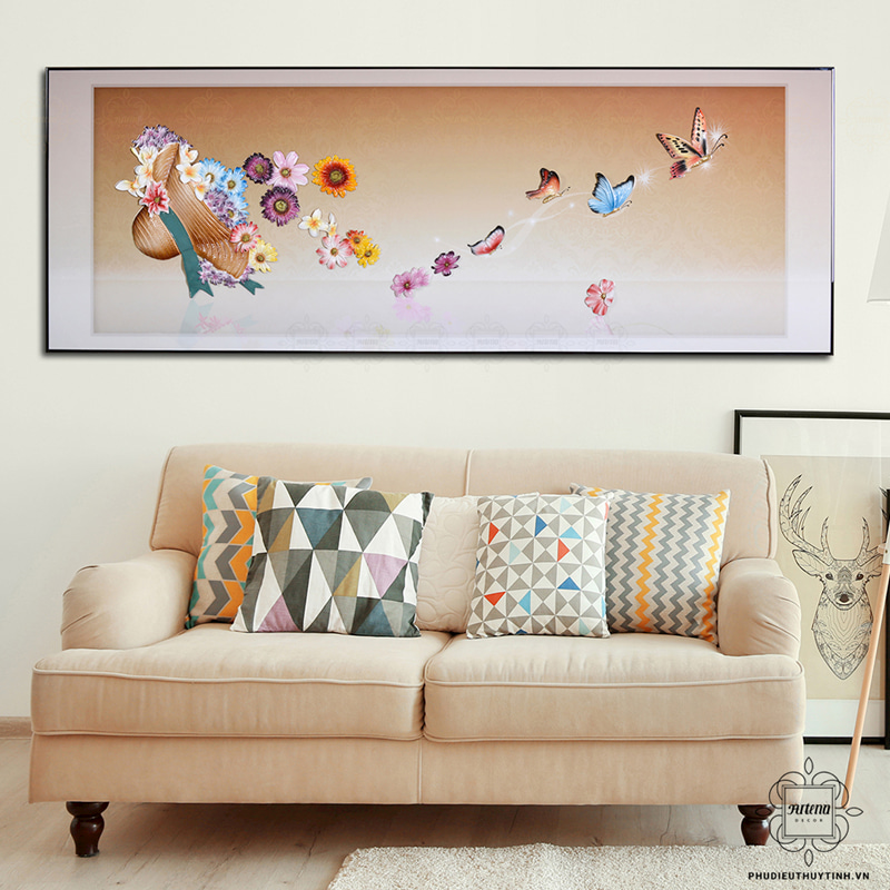 Những bức tranh treo tường tại Artena Decor đều có đường nét tinh tế, được kỳ công chế tạo