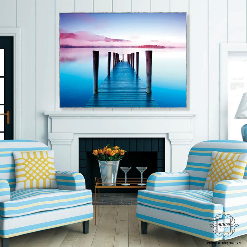 Cần đóng đinh lên tường để treo các bức tranh kích thước lớn